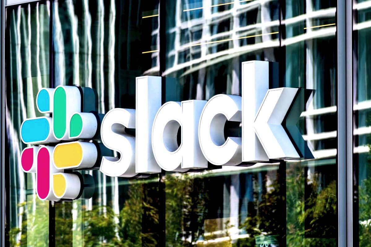 slack_compra_salesforce